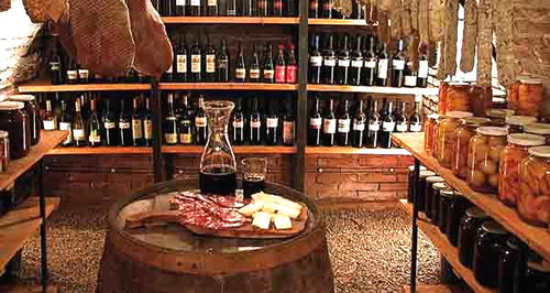 vinos y salamos de colonia caroya, turismo en córdoba
